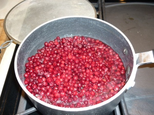 . In a large pan, cook 6 cups fresh or frozen lingonberries with 2 cups of water until the lingons are tender.