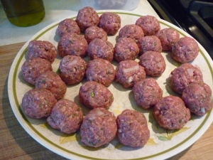 "The meatballs should be fairly small (no more than 3/4"") so the dish as a whole stays fairly flat."